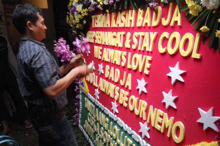 Cerita dari Toko yang Kebanjiran Order Karangan Bunga untukAhok-Djarot